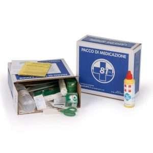 codice: PDM090 Pacco medicazione per cassette pronto soccorso con contenuto base a norma del DM 388 allegato 2 e D.L. 81 del 09/04/08 art.45. Peso: Kg.1,05 pacco reintegro per cassette pronto soccorso allegato 2 DM 388 del 15.7.2003 e D.L. 81 del 09/04/08 art.45. Contenuto: 1 copia Decreto Min 388 del 15.07.03 2 Paia guanti sterili 1 Disinfettante 125 ml IODOPOVIDONE al 10% iodio PMC 1 soluzione fisiologica 250 ml CE 1 Busta compressa garza sterile cm 18x40 3 Buste compressa garza sterile cm 10x10 1 Pinza sterile 1 confezione di cotone idrofilo 1 PLASTOSAN 10 cerotti assortiti 1 Rocchetto cerotto adesivo m 5x2,5 cm 1 Benda di garza m 3,5x10cm 1 Paio di forbici cm 10 FOR078 1 Laccio emostatico 1 ICE PACK Ghiaccio istantaneo monouso 1 Sacchetto per rifiuti sanitari mm 250x350 1 Istruzioni MULTILINGUA pronto soccorso