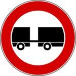 Transito rimorchio motorizzato vietato