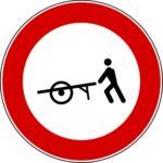 Transito trazione manuale vietato